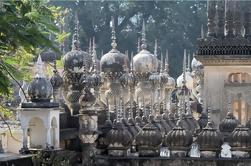 Excursión de un día a Hyderabad: Residencia Británica, Tumbas Paigah y BadShahi Ashukhana