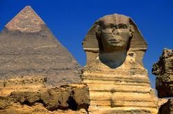 Transporte privado de 2 días a El Cairo para una gira por las pirámides, la esfinge y el Museo Egipcio