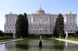 Private Guided Halve dag City Tour in Madrid met eigen voertuig en chauffeur