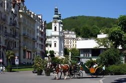 Excursión privada: Excursión de un día a Karlovy Vary y el castillo de Loket desde Praga