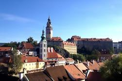 Traslado privado de Praga a Salzburgo con escala en Cesky Krumlov
