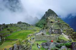 Excursión de 8 días a Machu Picchu y Lago Titicaca desde Lim