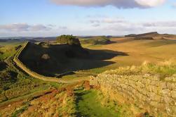 Excursión de un día para grupos pequeños de la Capilla de Rosslyn y de la Muralla de Adriano desde Edimburgo