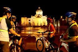 Excursão de ciclismo do por do sol de Banguecoque
