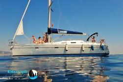 Excursión privada a vela con Skipper y Tapas desde Barcelona