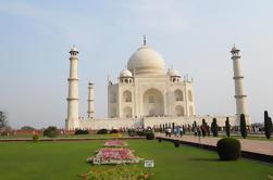 Excursión privada de Taj Mahal Agra de 2 días desde Nueva Delhi con Fort y Fatehpur Sikri
