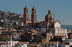Tour Privado: Excursión de un día a Taxco y Xochicalco desde M