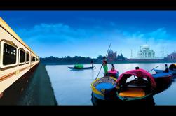 Excursión privada de un día en tren: Taj Mahal, Agra Fort y Fatehpur Sikri de Delhi