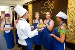 Clase de cocina tailandesa en la escuela de cocina tailandesa de Phuket