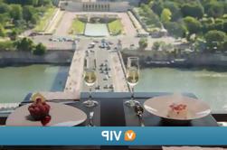 Viator VIP: Cena de la Torre Eiffel con una vista