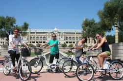 Tour de Bicicleta Eléctrica de Barcelona a la Montaña de Montjuïc