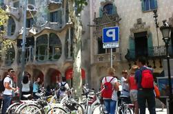 Tour Privado en E-Bike: 5 Barrios de Barcelona