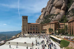 Excursión de medio día a Montserrat en grupo pequeño desde Barcelona