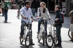 Excursión guiada por el E-Bike de 5 barrios en Barcelona