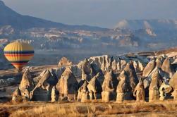 2 días de Cappadocia Tour en grupo pequeño desde Estambul en vuelo con vuelo opcional en globo